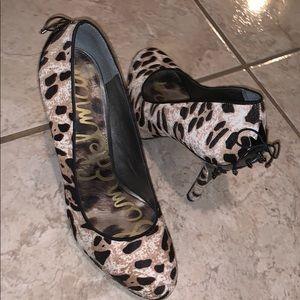 Size 8 1/2 Sam Edelman heels in good condition